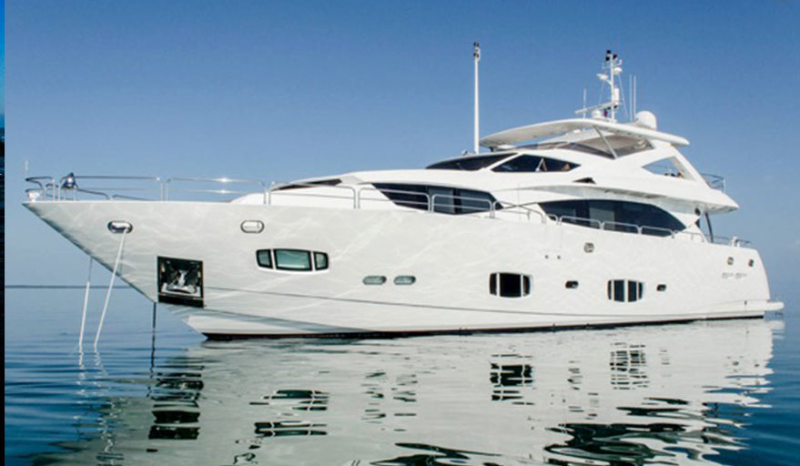 100ft chartered yacht