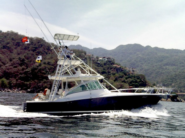 fishing boat for rent in Cabo